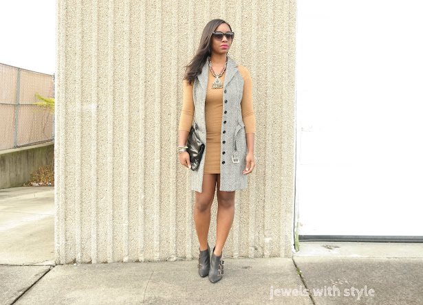 sleeveless coat, how to wear a sleeveless coat, tweed vest, winter long vest, sleeveless vest, how to wear booties, jewels with style, black fashion blogger, columbus style blogger, nude dress, black booties, how to wear booties