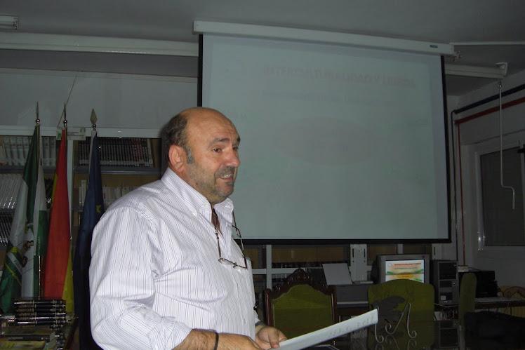 INTERESANTISIMA CONFERENCIA SOBRE LA INTERCULTURALIDAD Y LOS LIBROS A CARGO DE JUAN MERINO
