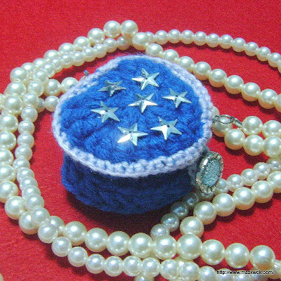 crochet heart ring box