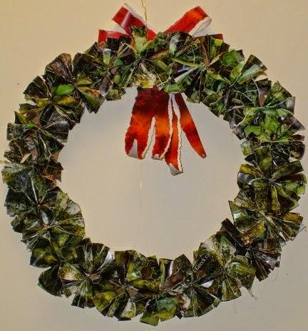 Couronnes de Noël avec des Matériaux Recyclés