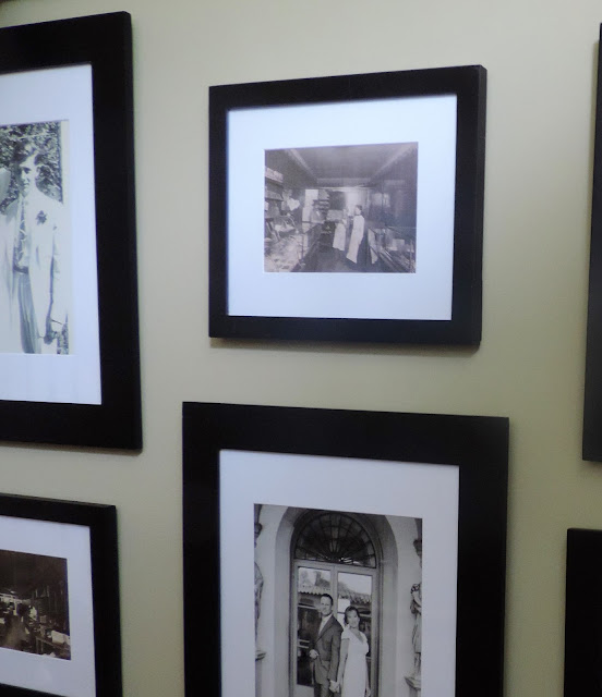 gallery wall photos black and white
