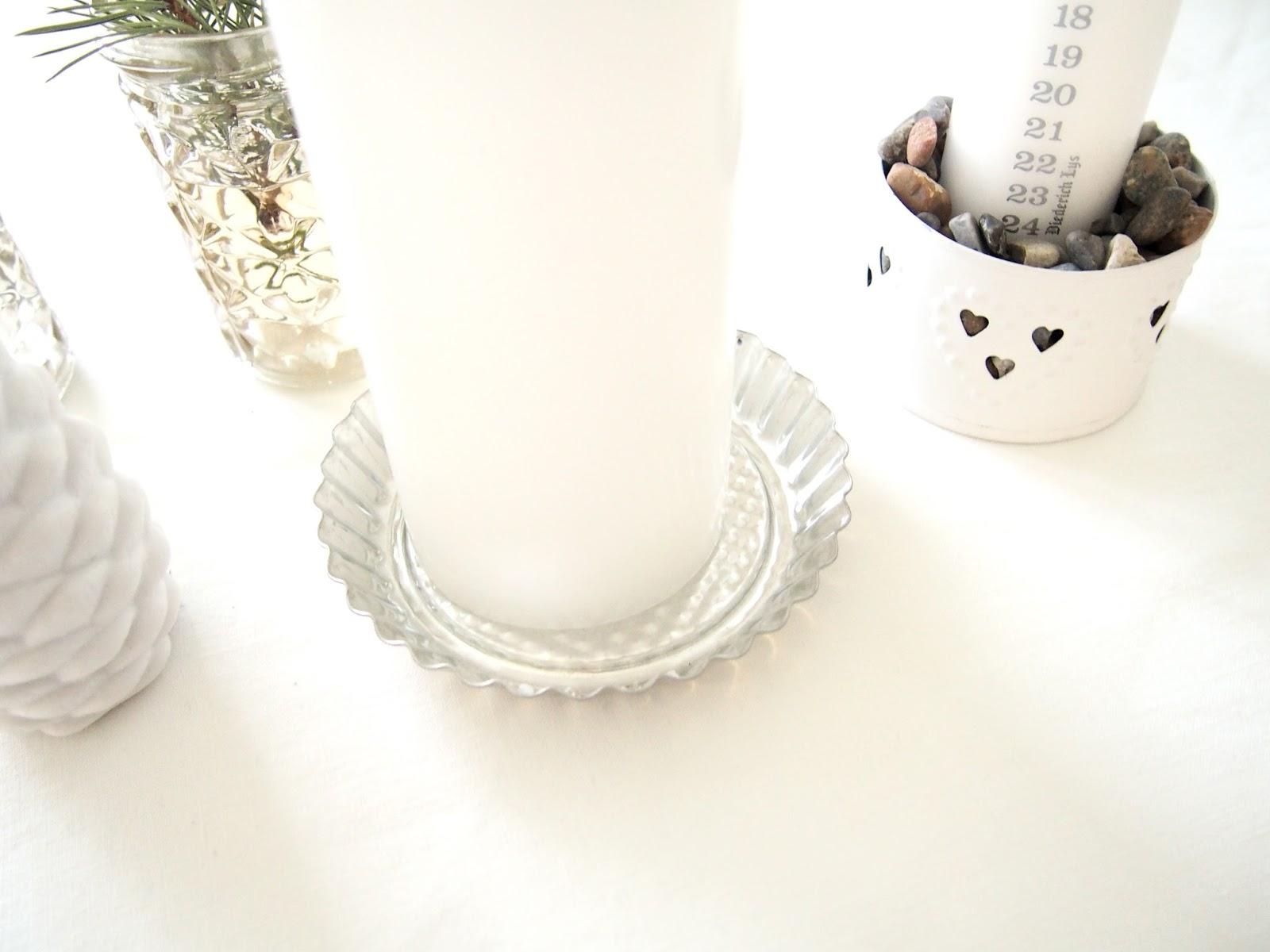 kynttilät asetelma