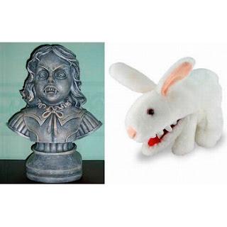 Busto y conejo tétricos