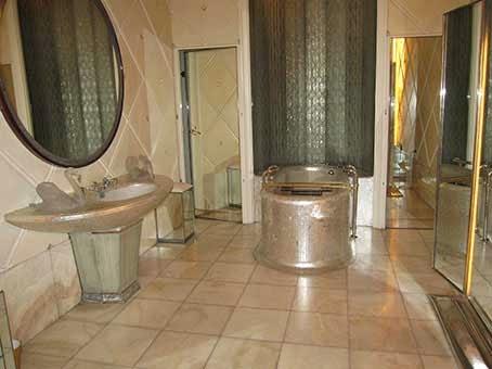 Le club du roman historique avril 2014 for Salle de bain 1900