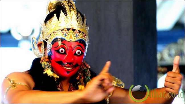 Dan masih banyak lagi tarian-tarian khas Yogyakarta yang amat terkenal ...