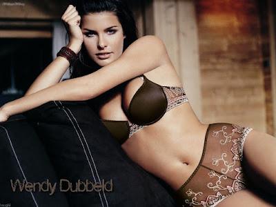 Wendy Dubbeld Bikini Wallpaper