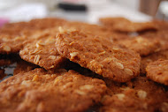 FAMILY FAVOURITES - ANZAC BISCUITS