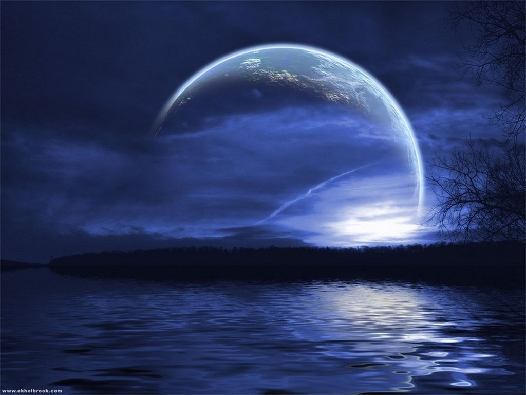 http://3.bp.blogspot.com/-sML1Zc_0JiU/TWpAVy4vE_I/AAAAAAAAmOc/PCi-kuqJQ0s/s1600/Moonlight_Wallpapers.jpg