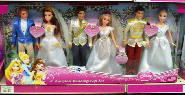 June is here and Toys R Us is selling two wedding exclusives Disney Fairytale Wedding Gift Set and MGA Entertainmentu0027s Moxie Princess and Prince.  sc 1 st  A Philly Collector of Playscale Dolls and Action Figures & A Philly Collector of Playscale Dolls and Action Figures: Toys R Us ...