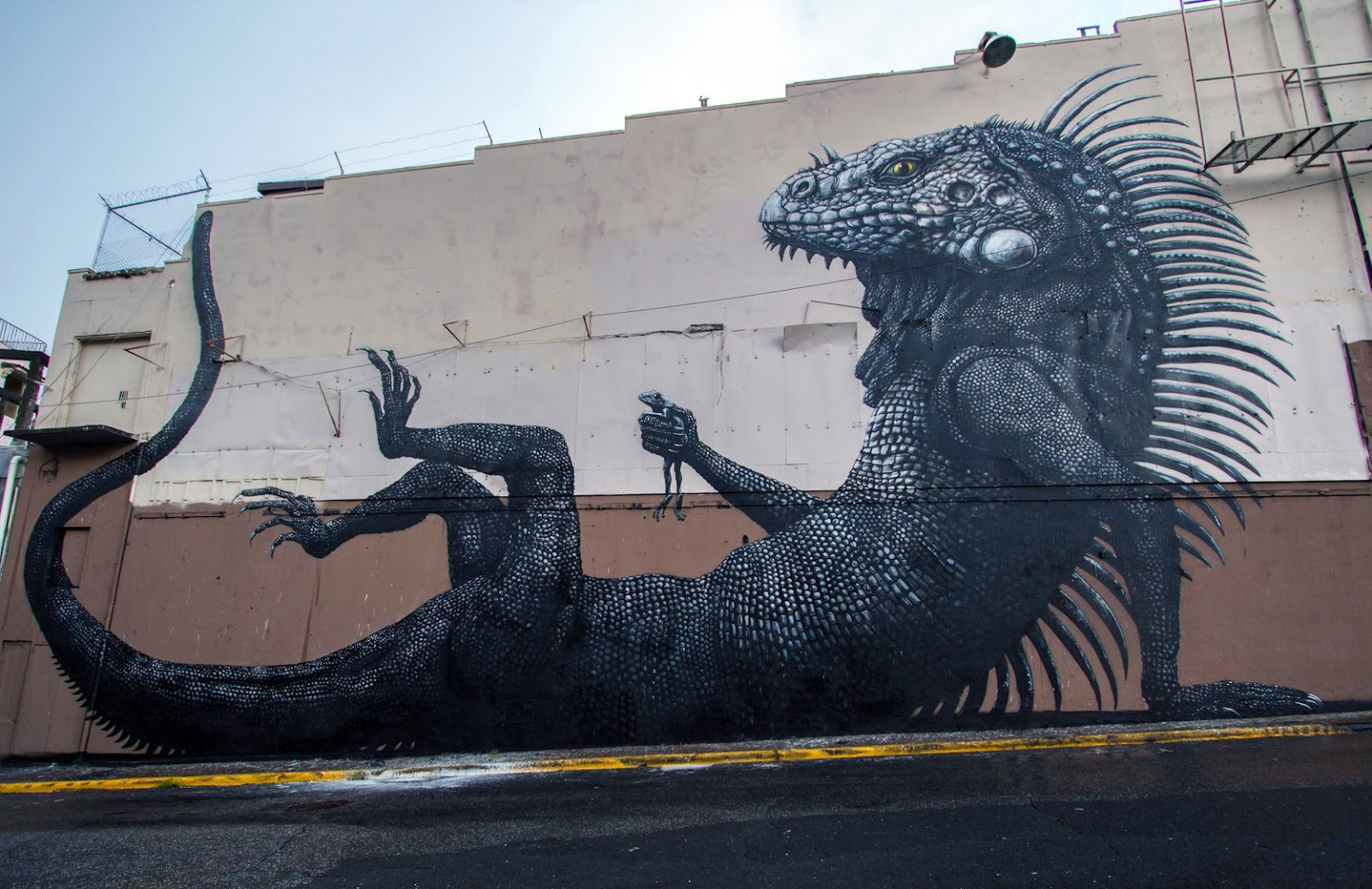 Roa new mural in san juan puerto rico streetartnews for Best mural artist