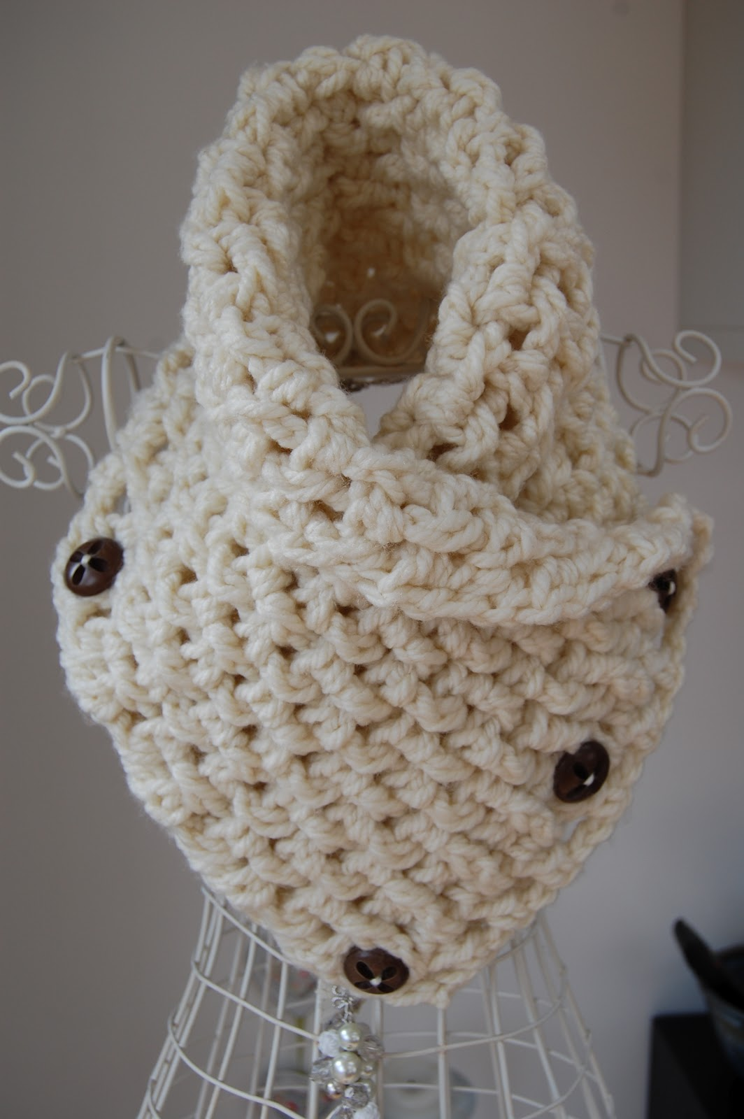 Crochet Neck Warmer : CRAFTY RED: Lattice Crochet Neck Warmer