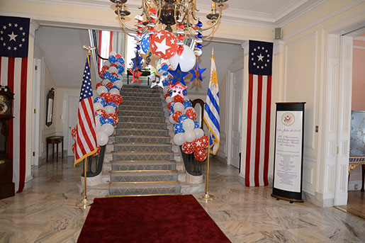 Embajada de los estados unidos en uruguay julio 2015 for Decoracion estados unidos