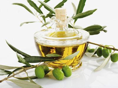 olive-oil - ملعقتان زيت زيتون يومياً وقاية من أمراض القلب