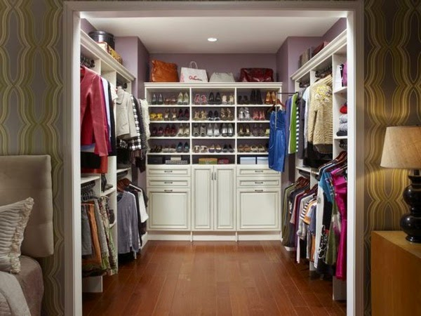 Beautiful How To Build Walk In Closet :Wardrobe With Shoe Table