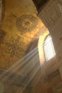 Jesus est la lumière qui se lève dès le matin - Prières catholiques