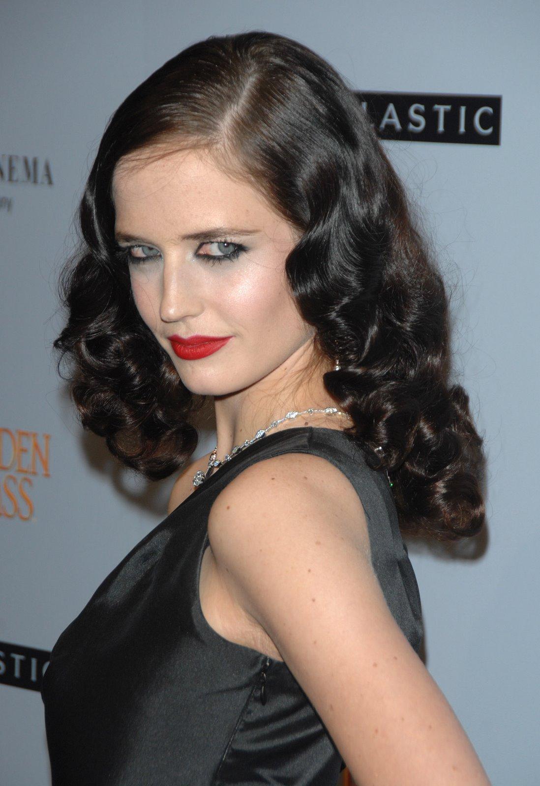 http://3.bp.blogspot.com/-sN6gSrGBQ7I/TqMuaz47WQI/AAAAAAAACUo/JLMq9wAlvMw/s1600/Eva+Green+hairstyles+%25283%2529.jpg