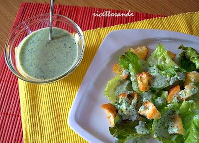 Salsa greca Tzatziki smirneico e caesar saldad light ricetta semplice