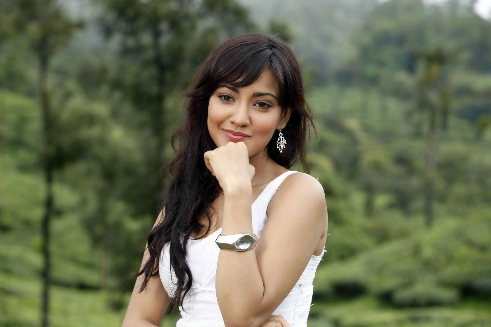 Neha Sharma Hot Neha Sharma Latest Hot...