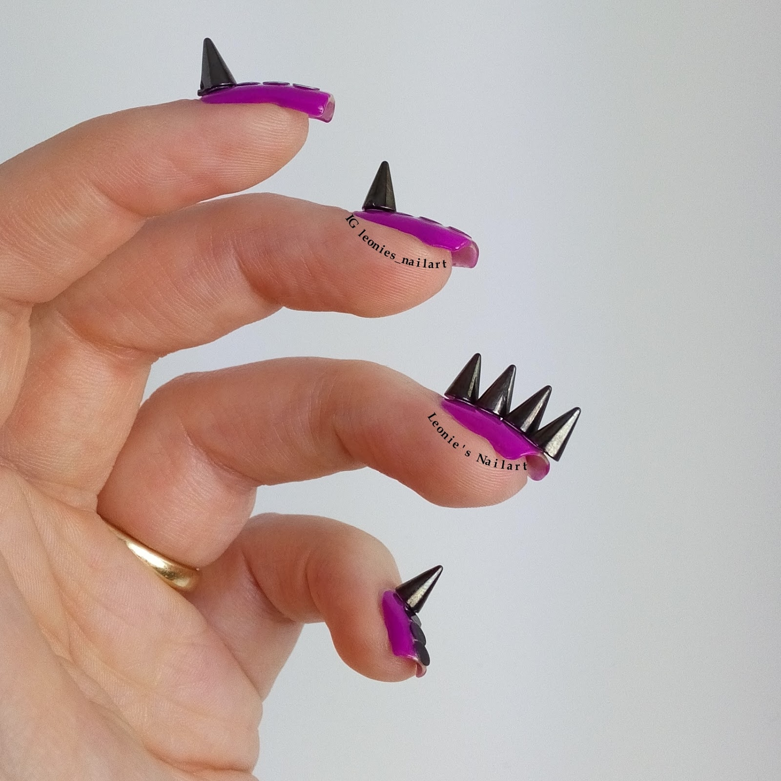 Leonie\'s Nailart: Edgy design: Spikes on my nails