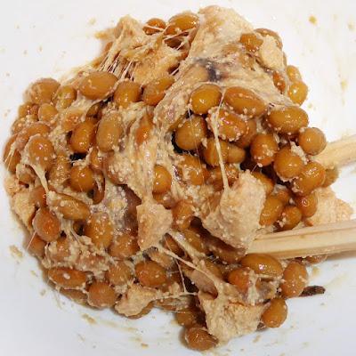 納豆に味付ほきの子(ほき卵)