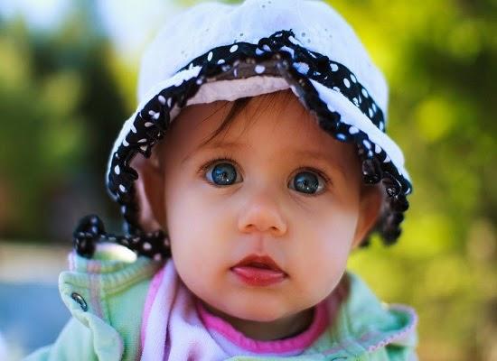Jolie Image d'un bébé fille