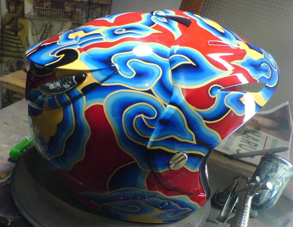 Airbrush Industries: Airbrush Helm Motif Batik Mega Mendung