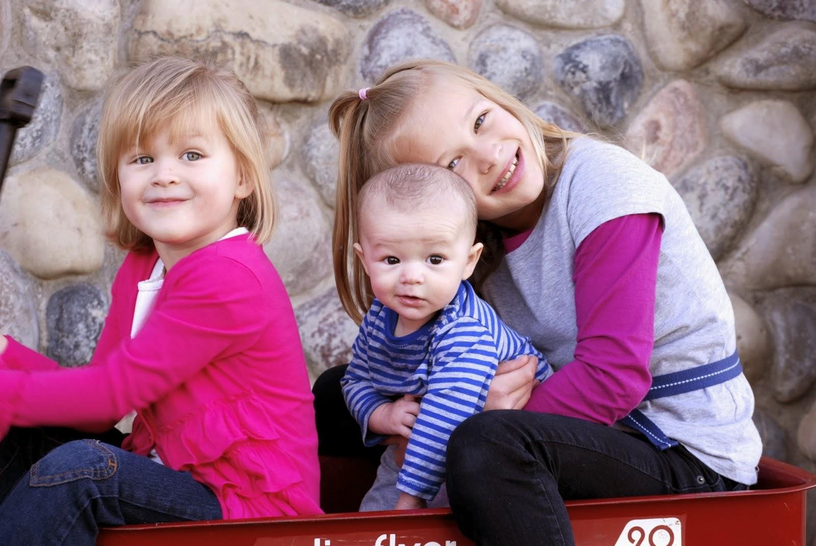 Isabelle, Emelia, Danger