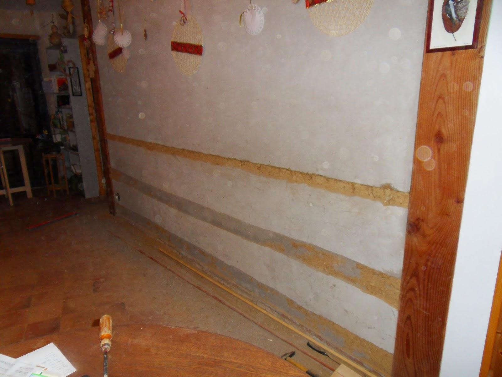 Naissance d 39 une maison de paille en picardie mise jour 2 pose de lambris sur les murs de terre - Lambris sur mur ...