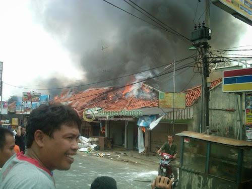 foto kebakaran pasar kertasemaya 6