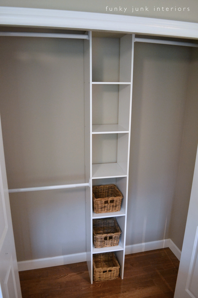 How to build an easy clothes closet from a 50 kit funky for Closet de pared