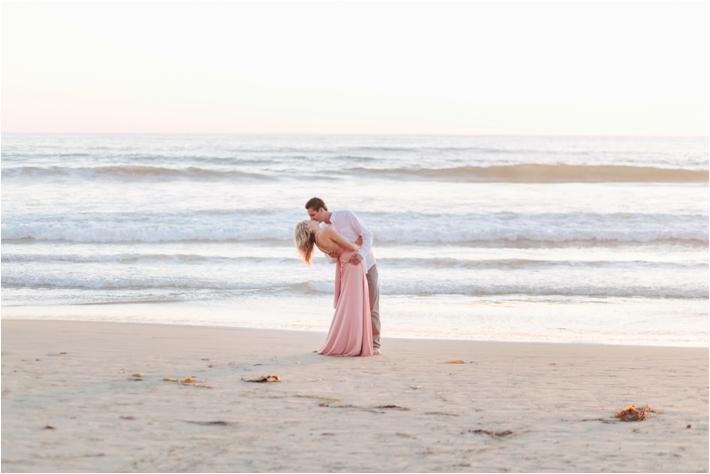 Sunset Beach engagement session at Torrey Pines | San Diego Beach Engagement Session by Leslie Anne Photofinish
