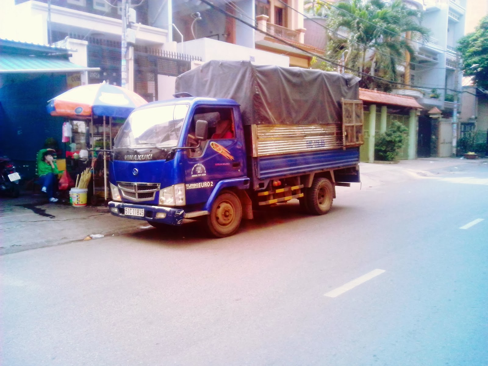 Xe tải 1 tấn chở hàng thuê tại TPHCM