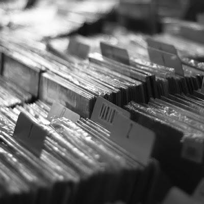 10 Schallplatten, die uns gut durch den Dezember bringen