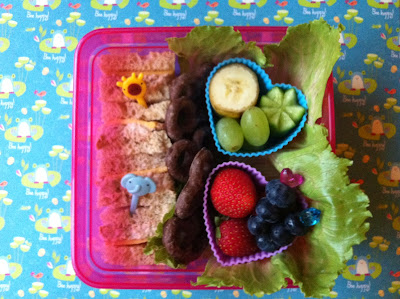 Tuna Sandwich with fruits