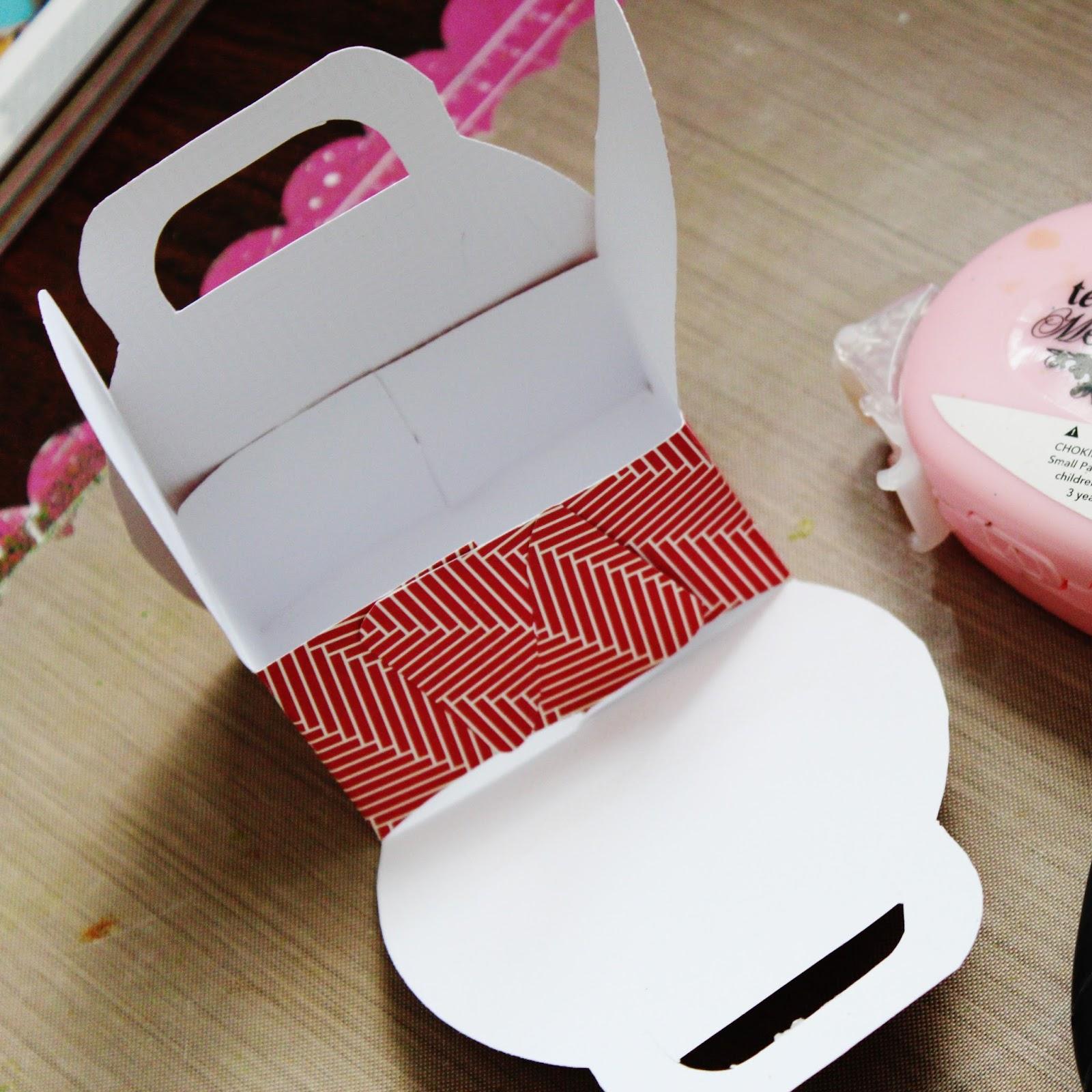 how to build custom cardboard suitcase
