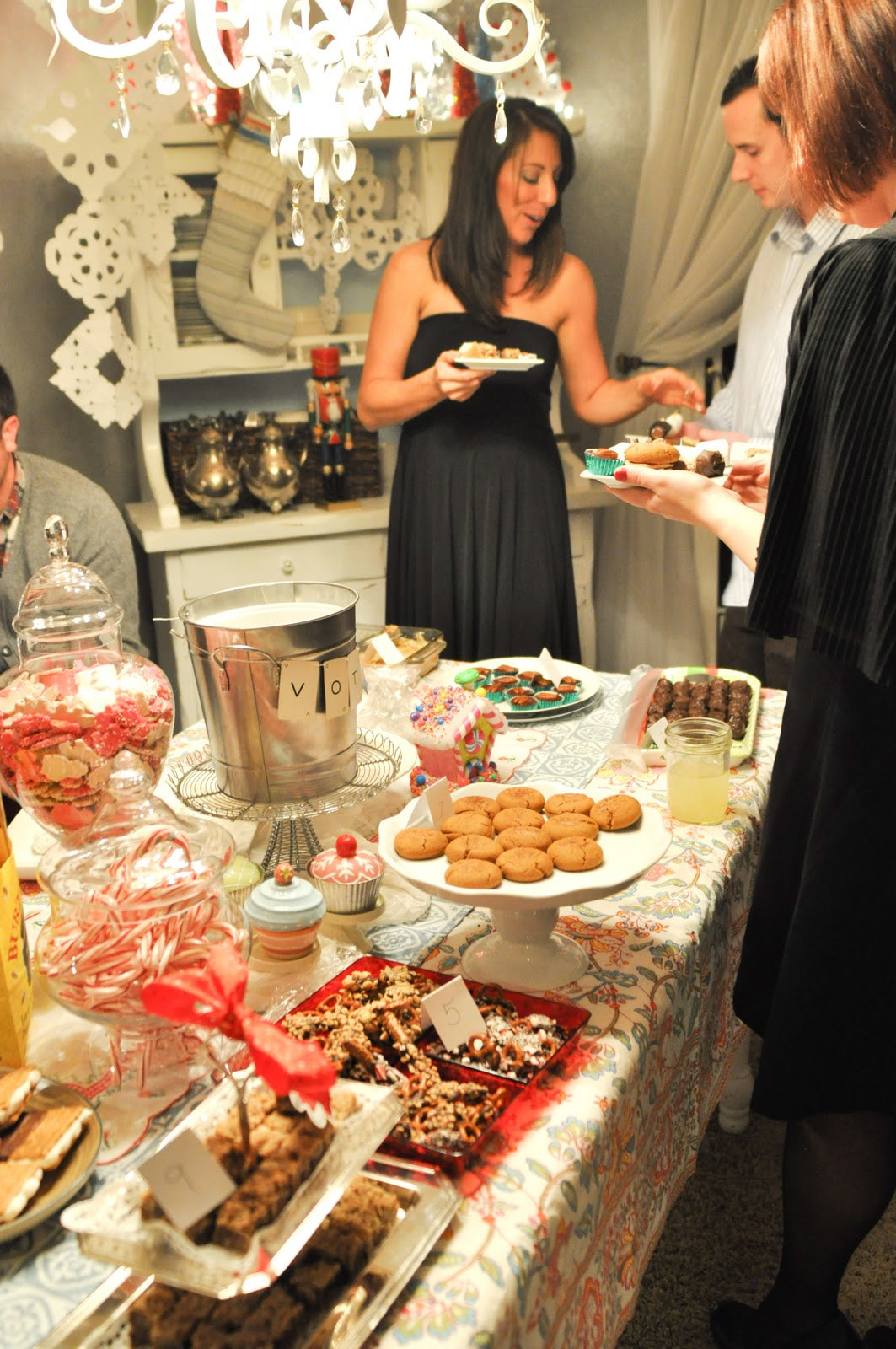 Domestic Fashionista Holiday Dessert Party
