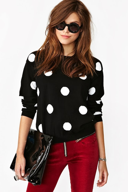 White Pierrot Dot Black Long Sleeveless Shirt With Red Jeans And Black Purse