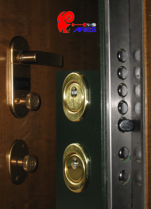 Dierre porte blindate atra dierre venezia mestre padova - Cambiare serratura porta ...