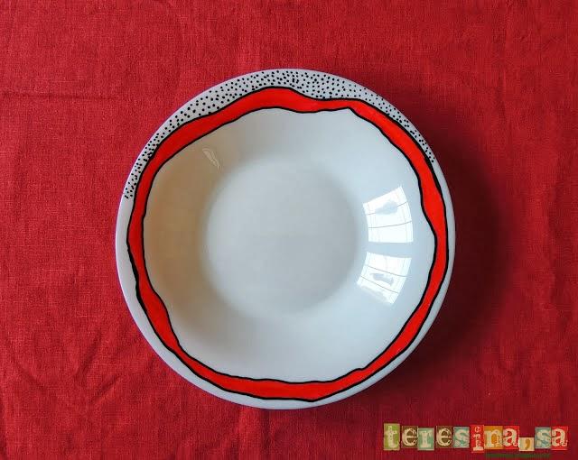 Platos decorados a mano con pintura cerámica