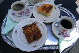 Café med hembakat kaffebröd
