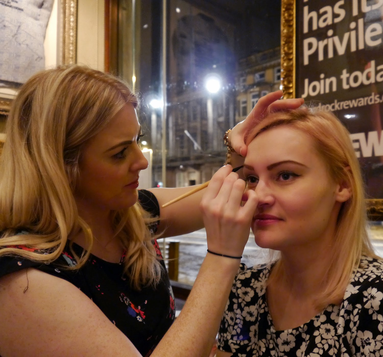 Hard Rock Cafe, Hard Rock Edinburgh, Blogger Event, Scottish Bloggers, Edinburgh bloggers, pinktober, #pinktober, Benefit, benefit make up, make up tutorial, eyebrows, Kimberley