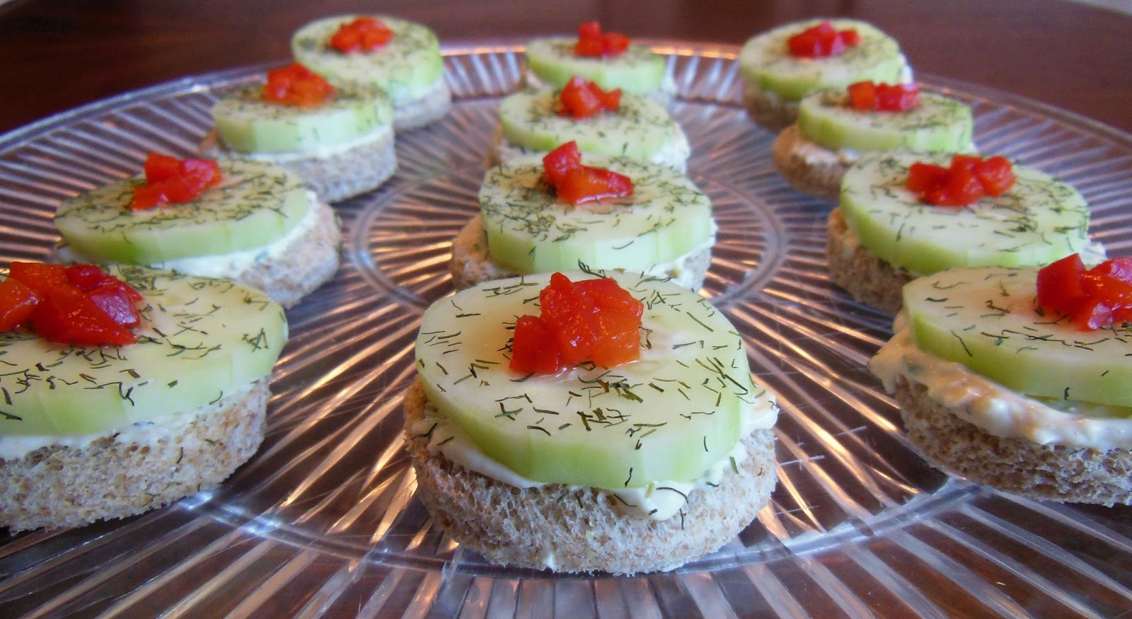 Recipe cucumber canapes with smoked salmon mousse pictures for Salmon mousse canape