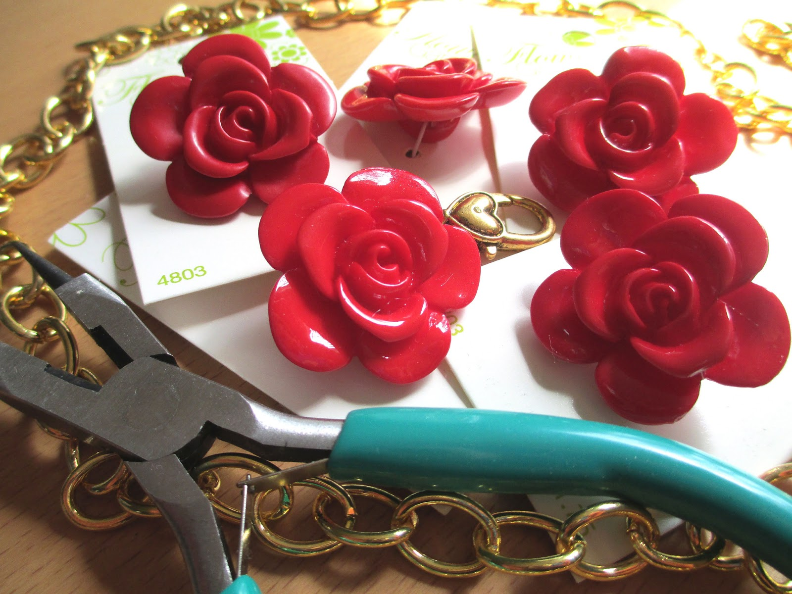 how to make a rose out of beads