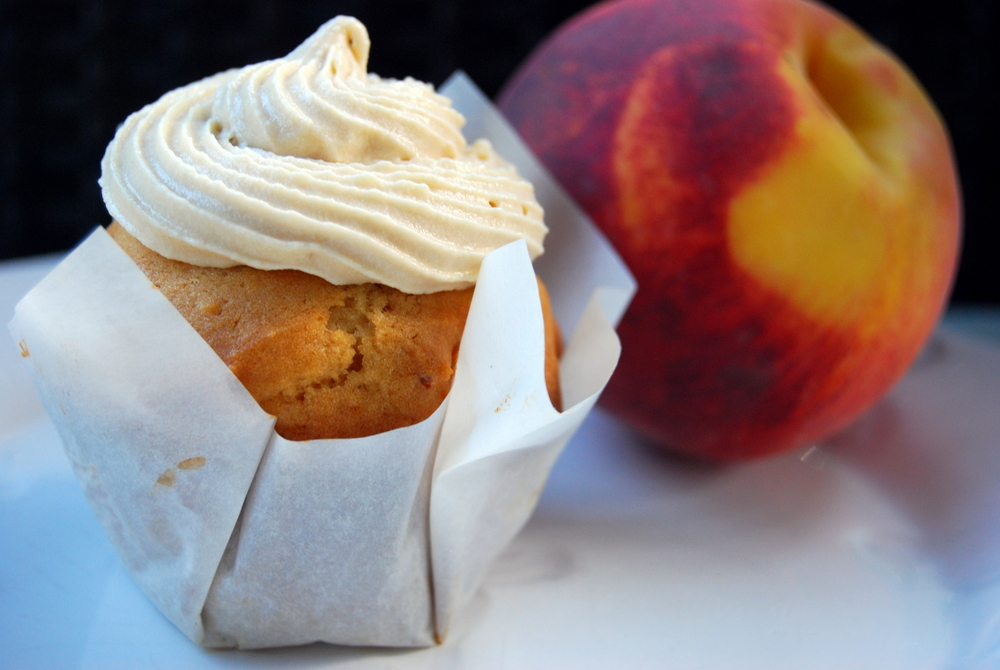Peach Cupcakes With Brown Sugar Frosting Recipe — Dishmaps