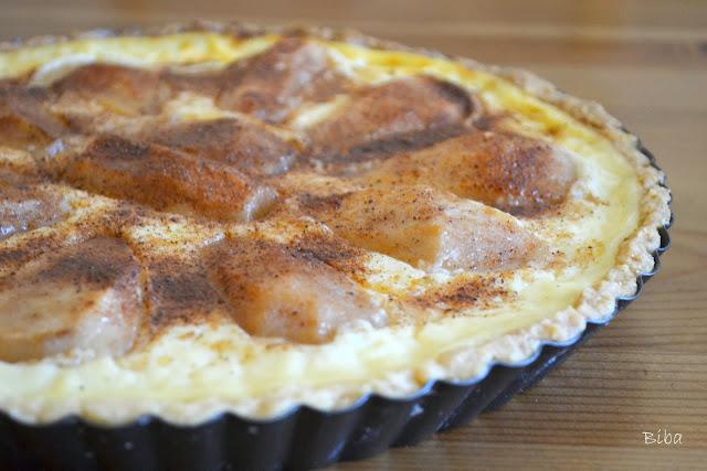 Hruškový koláč s vanilkovým krémom