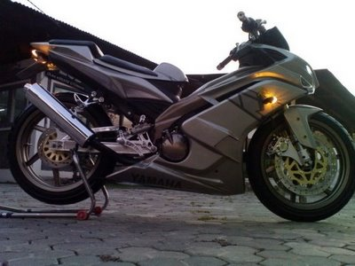 Modifikasi Yamaha Jupiter MX Racing Style 2011 | Kumpulan Modifikasi