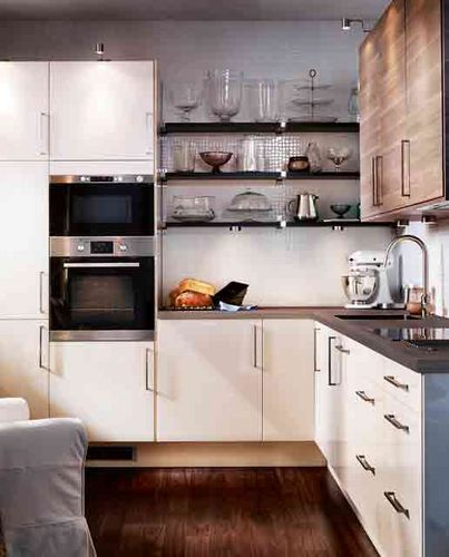 Dealing With Built In Kitchens For Small Spaces Cozinhas Planejadas Cozinhas Planejadas Para Apartamentos Pequenos