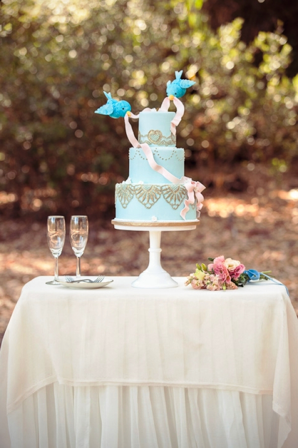 tarta nupcial azul