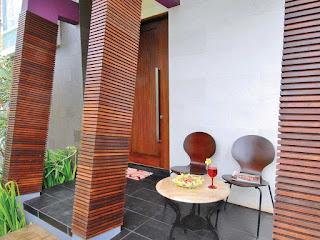 model teras belakang rumah sederhana