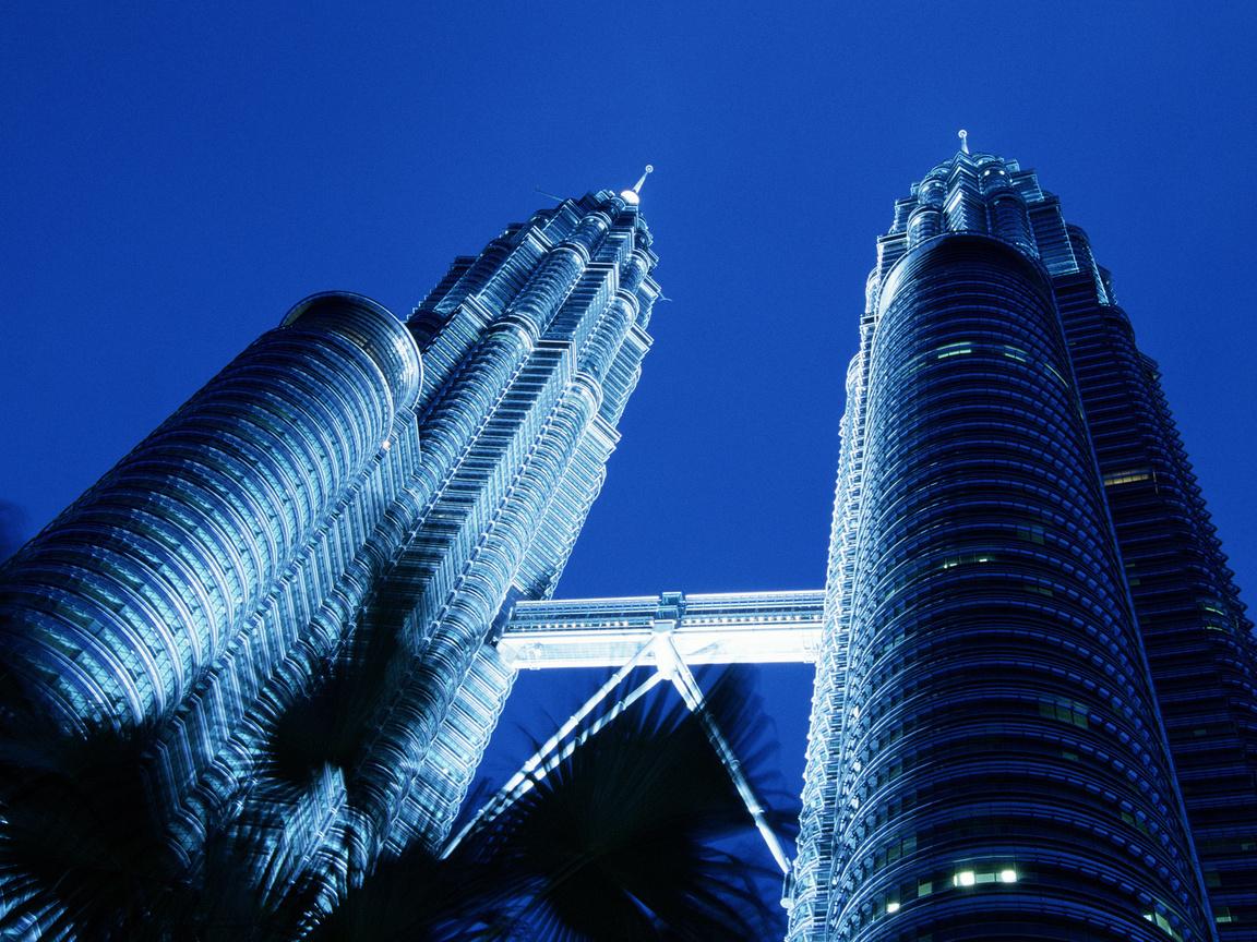 http://3.bp.blogspot.com/-sQLuTI10PVM/Tm-LzQiUB4I/AAAAAAAAAmo/3wQLN-fY4xA/s1600/Petronas+Towers.jpg